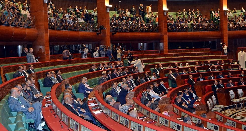 Chambre des conseillers la commission des finances fait passer