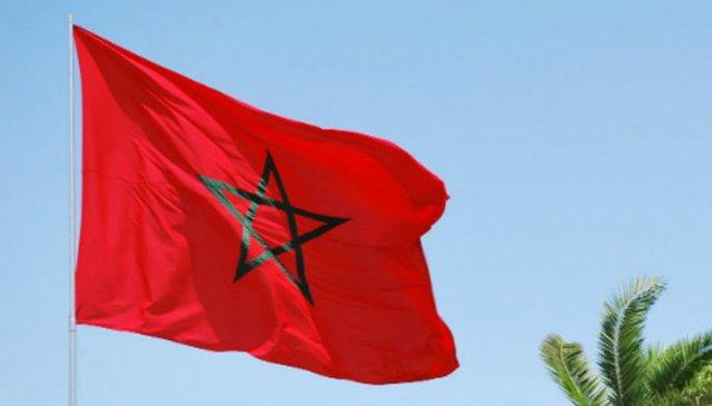 Marrakech un fran ais porte outrage au drapeau marocain - Drapeau du maroc a imprimer ...