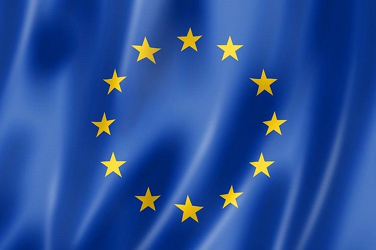 Covid-19 : les Européens adoptent des critères communs pour les restrictions de voyage